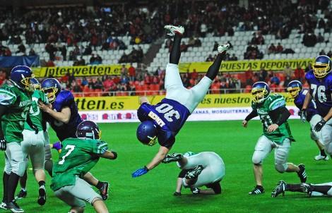 Alberto Aldea consigue el único touchdown de la exhibición